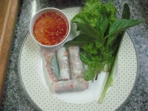 The rice noodle rolls Thaish style